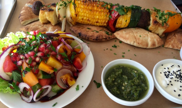 Grillowana szpada z warzywami.